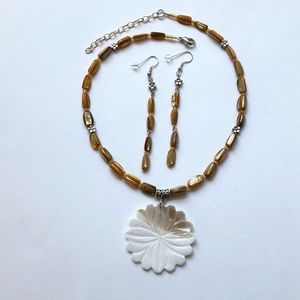 Floral Mother of Pearl Pendant Necklace & Earrings